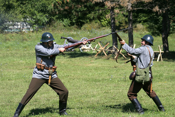 fight between two soldiers i