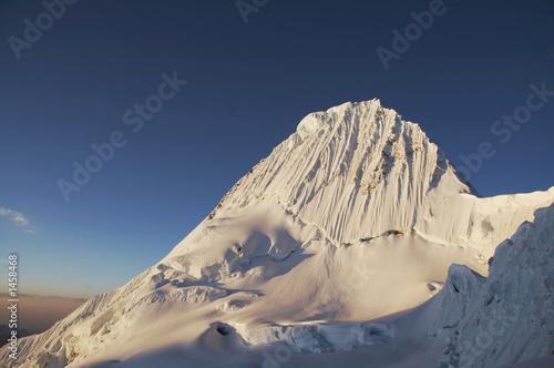 Foto op Canvas Europa beautiful peak alpamayo