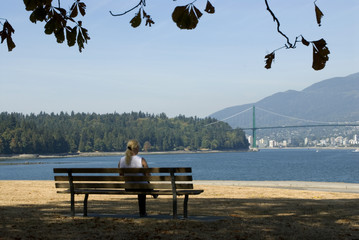 lady on a bench, vancouver, stalnley park 2