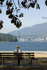 lady on a bench, vancouver, stalnley park