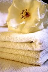 toallas y flor