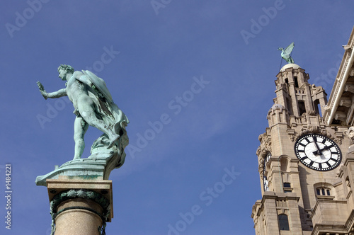 victory and royal liver building 01