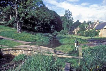 cotswold village naunton