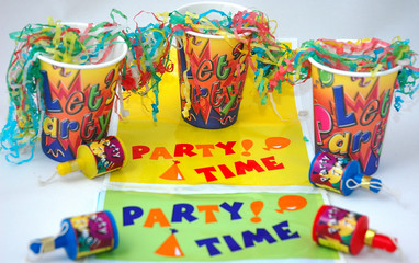 party paper cups banners and sreamers