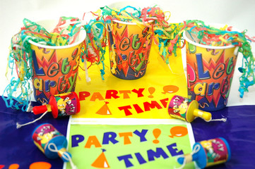 paper party cups streamers and party poppers