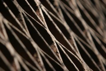 grille rouillée d'une usine