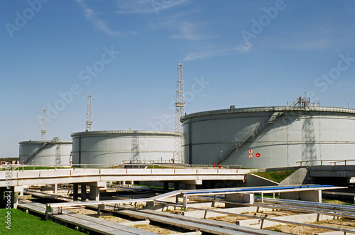 industrial fuel storage tanks