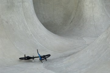 bmx in a skate bowl