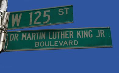harlem street sign