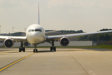 airplane front view