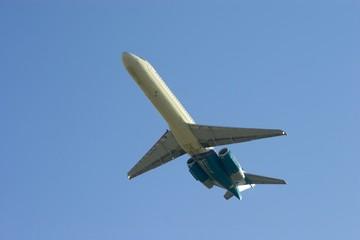 departing airliner