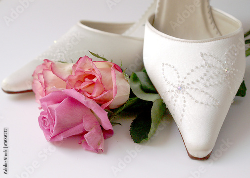 wedding shoes & roses
