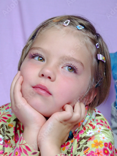 Cute Girls With Brown Hair And Green Eyes. cute little girl with green