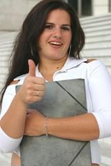 femme le pouce levé - woman thumb up