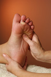 massage reflexologist zone pressure point