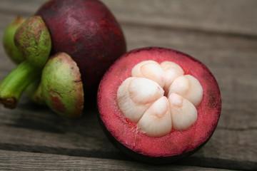 mangoustan ouvert