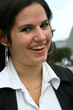 jeune femme souriante - smiling young woman