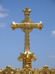 croix en or à lourdes