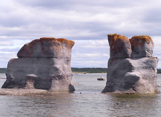 granitic islets and reefs