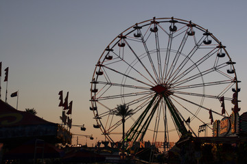 ferris wheell at sunset