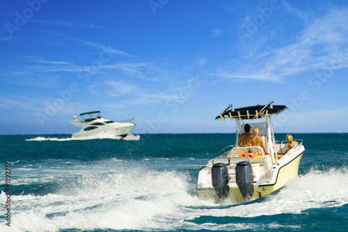 Fotobehang Water Motorsp. tropical boating