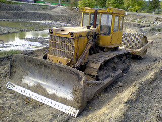 heavy tractor
