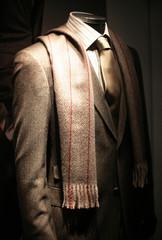 costard, cravate, écharpe & mode