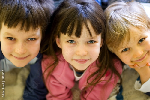 looking children