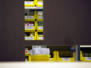 pharmacy counter 02