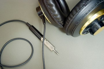 headphones with a jack