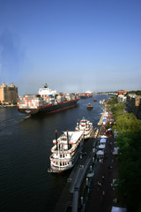 savannah river boat  traffic