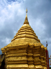 chedi in doi sutep temple