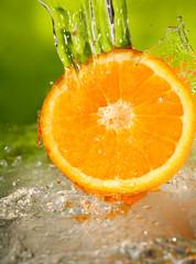 Pomarańczowy plusk