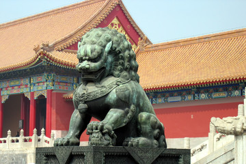 bronze lion at forbidden city entrance