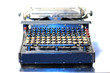 the old mechanical typewriter 2