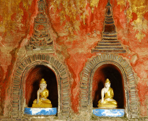 myanmar, inle lake: shwe yan pyay monastery, small buddhas and c