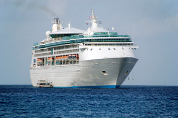 exciting caribbean vacation on cruise ship