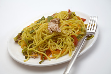 chicken chow mein ready to eat