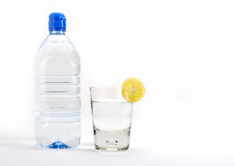 water with a slice of lemon