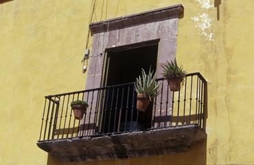 san miguel de allende balcony