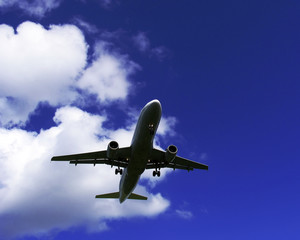 landeanflug eines passagierflugzeuges