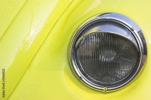 headlight of volgswagen beetle