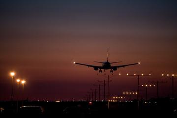 dusk jet landing 1