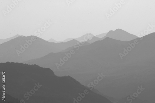 mountain peak slope line ridge diagonal mist fog