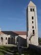 kirchturm und kirchruine