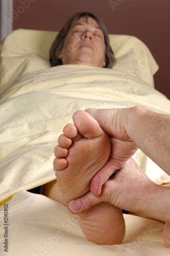 reflexology foot massage hand wrap