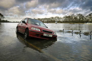 car stranded in flood