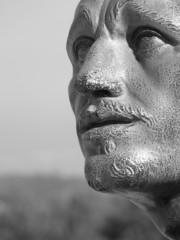 statue bronze visage homme