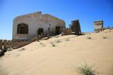 ghost city à kolmanskop près de luderitz en namibi poster