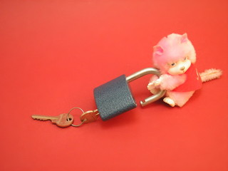 a lock and teddy